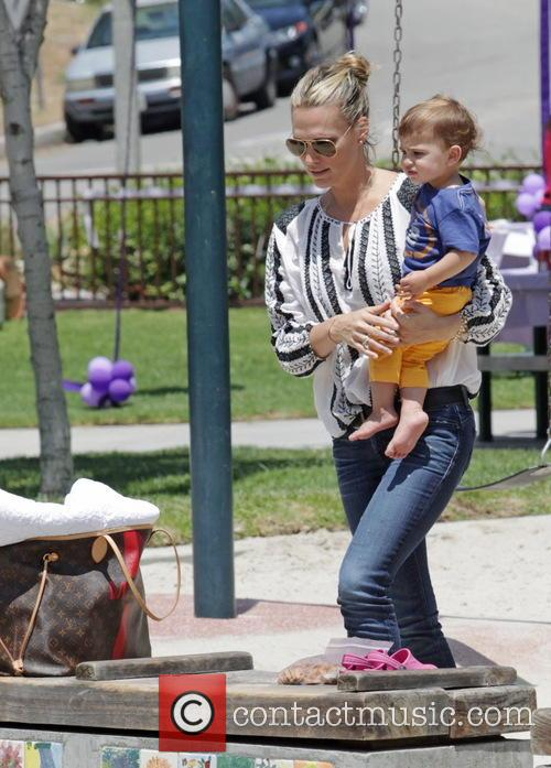 Molly Sims and Brooks Stuber 31