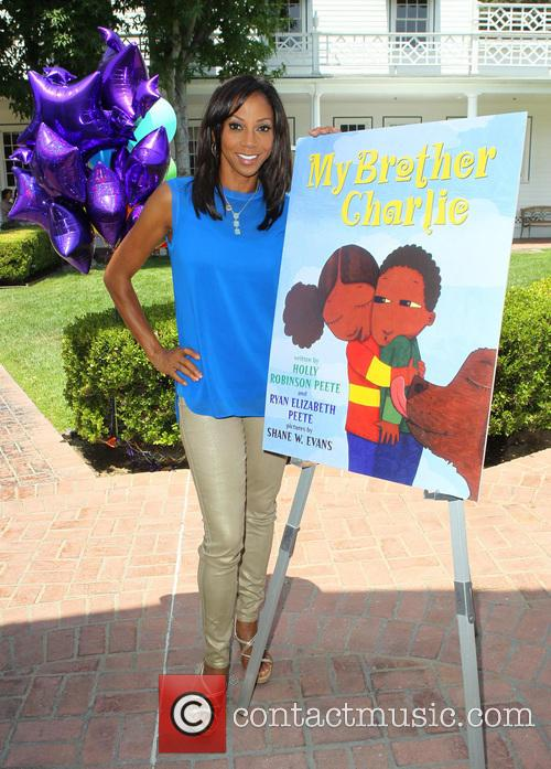 Holly Robinson Peete 3