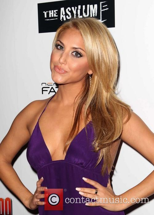 cassie scerbo fathom events presents the premiere 3795589