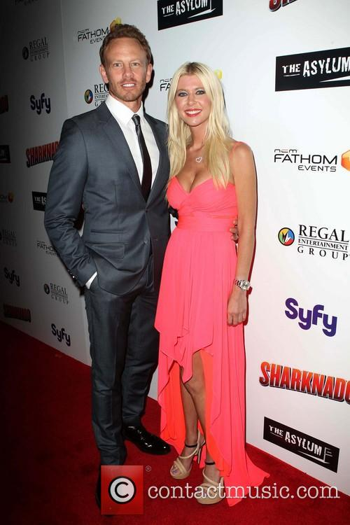 Ian Ziering and Tara Reid 7