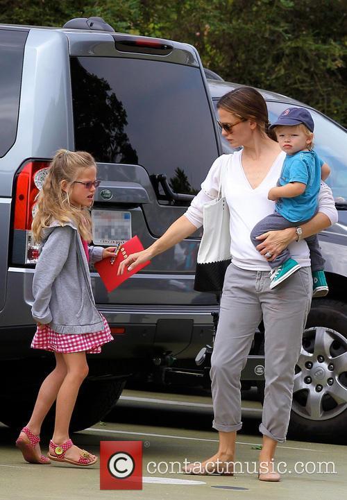 Jennifer Garner, Samuel Affleck and Violet Affleck 11