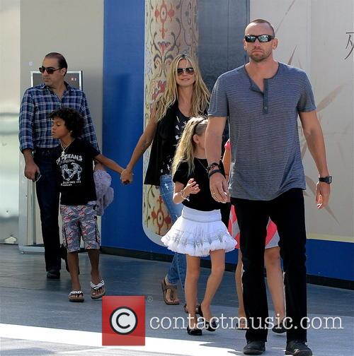 Heidi Klum and family go to the movies