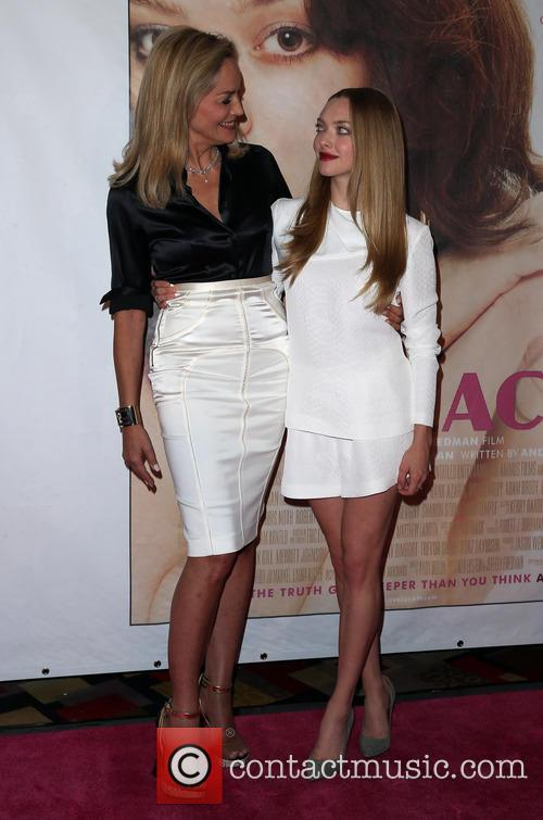 Sharon Stone and Amanda Seyfried 21