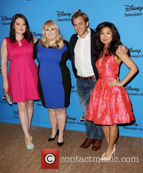 Lauren Ash, Rebel Wilson, Kevin Bishop and Liza Lapira 2