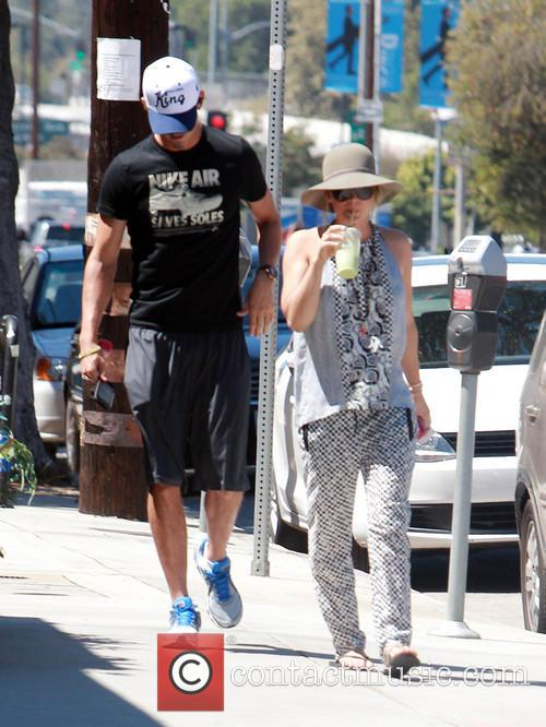 Ryan Sweeting and Kaley Cuoco 3