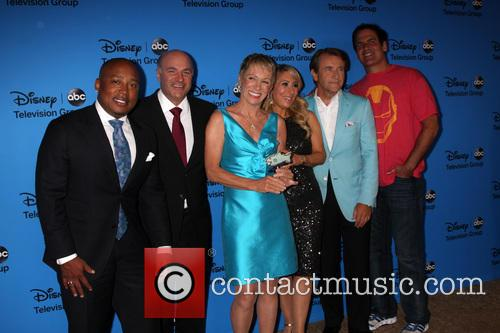 Daymond John, Kevin O'leary, Barbara Corcoran, Lori Greiner, Robert Herjavec and Mark Cuban 8
