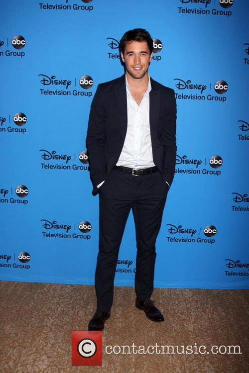 Joshua Bowman | Photos and Videos | Contactmusic.com