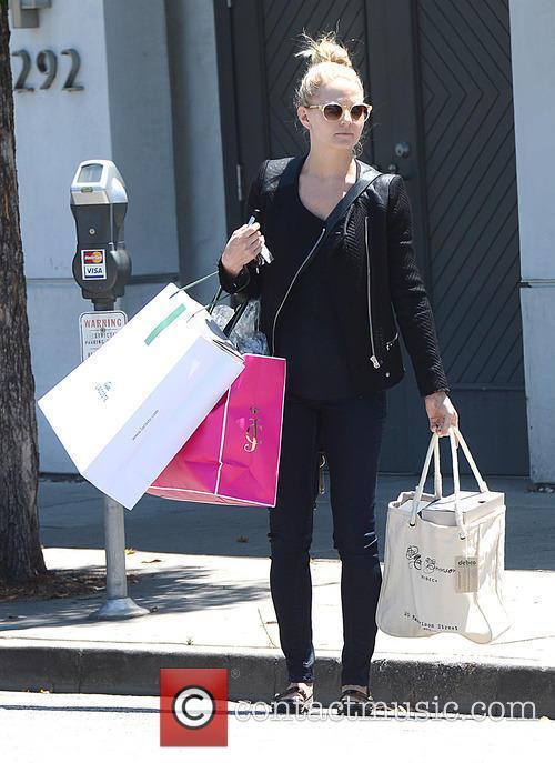 Jennifer Morrison Shops in Beverly Hills
