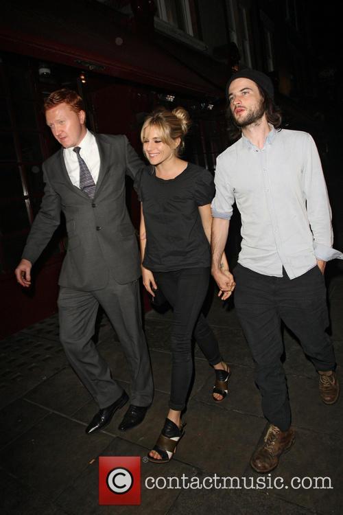Sienna Miller and tom sturridge 9