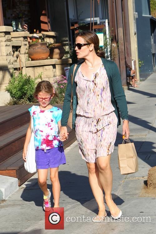 Jennifer Garner With Daughters