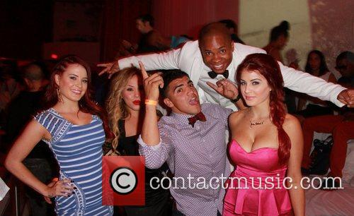 Sam Jones Iii, Carla Howe, Melissa Howe and Victor Ortiz 3