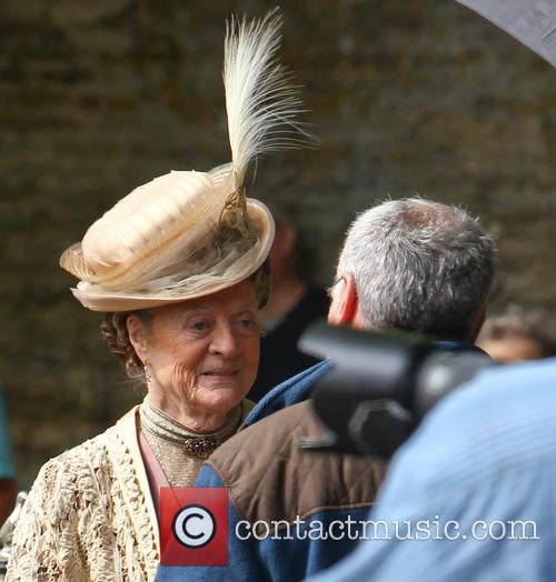 dame maggie smith downton abbey cast film 3802544