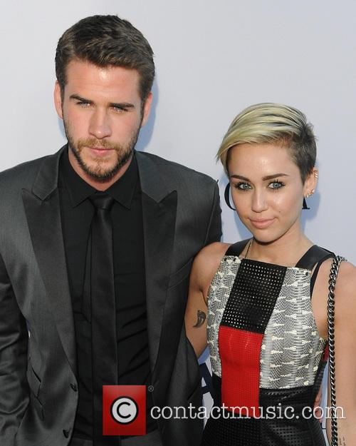 Liam Hemsworth and Miley Cyrus 6