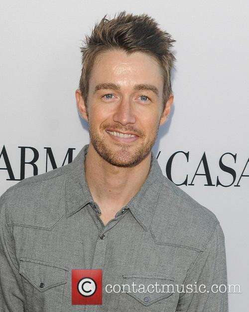 Robert Buckley 2