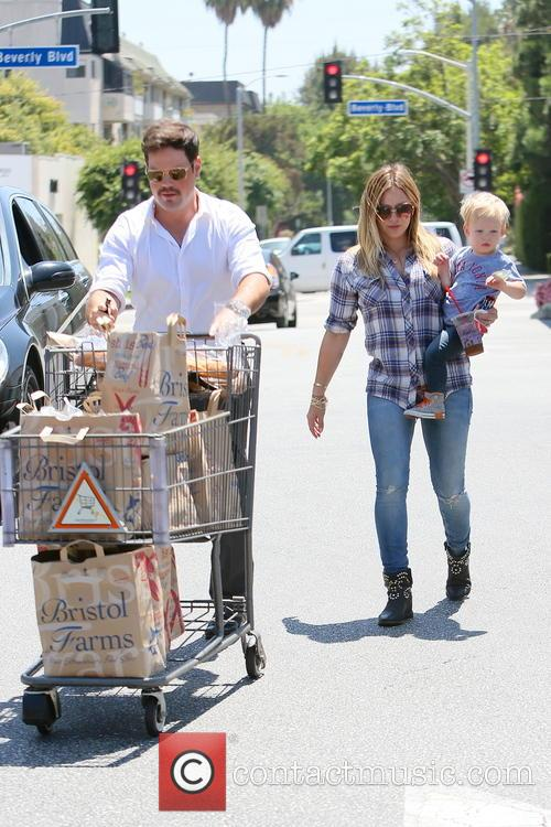 Hilary Duff, Luca Duff and Mike Comrie 3