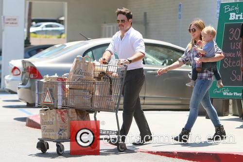Hilary Duff, Mike Comrie and Luca Duff 3