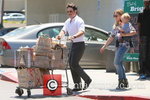 Hilary Duff, Mike Comrie and Luca Duff 1