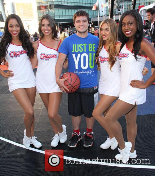 Josh Hutcherson and La Clipper Girls 2