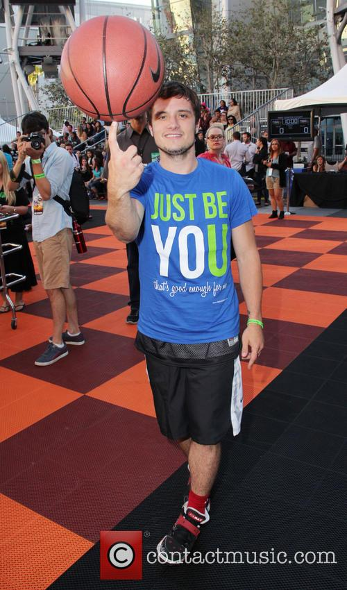 josh hutcherson the 5th annual nike basketball 3807145