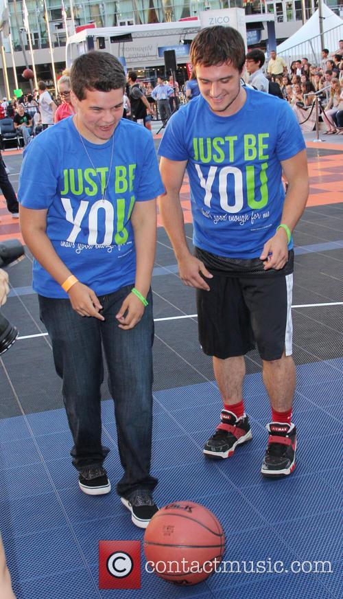 Josh Hutcherson 16