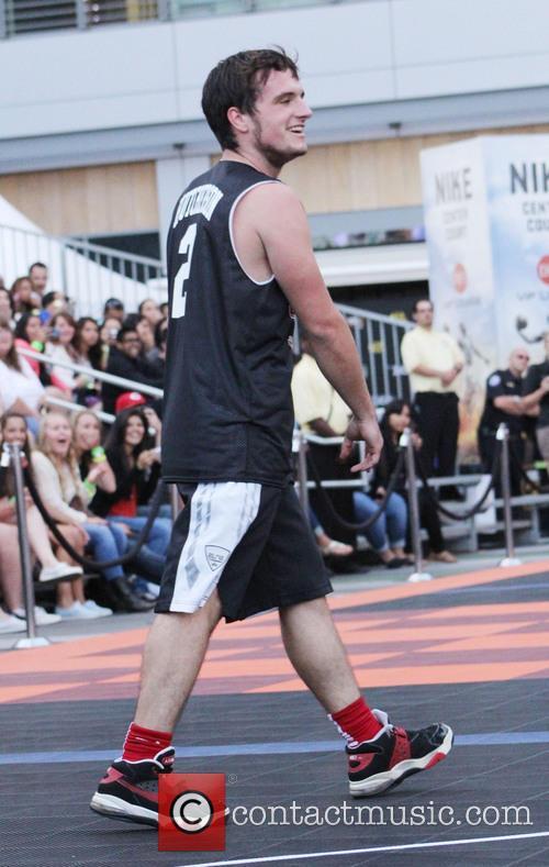 Josh Hutcherson 18