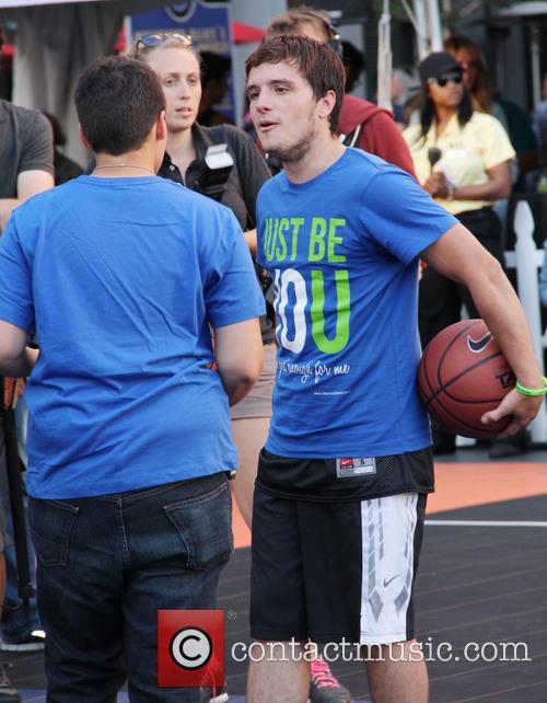 Josh Hutcherson 24