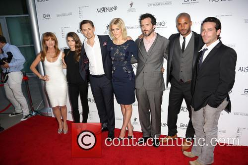 Jane Seymour, Keri Russell, Jj Feild, Georgia King, Bret Mckenzie, Ricky Whittle and James Callis 8