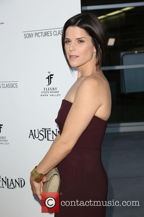 Neve Campbell 9