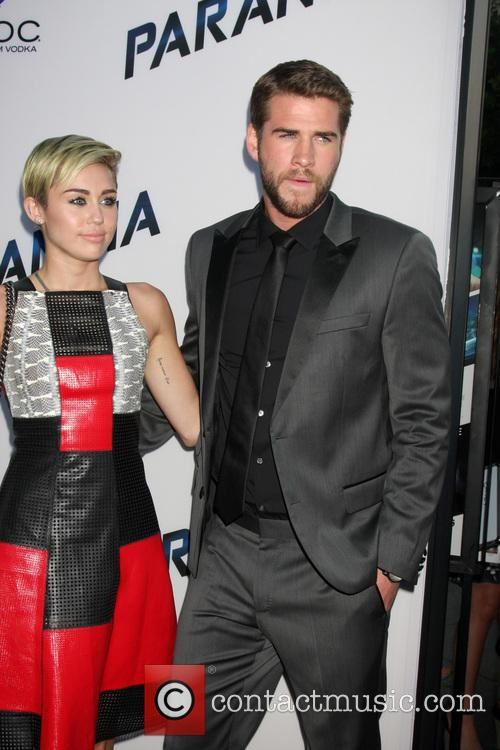 Miley Cyrus and Liam Hemsworth 7