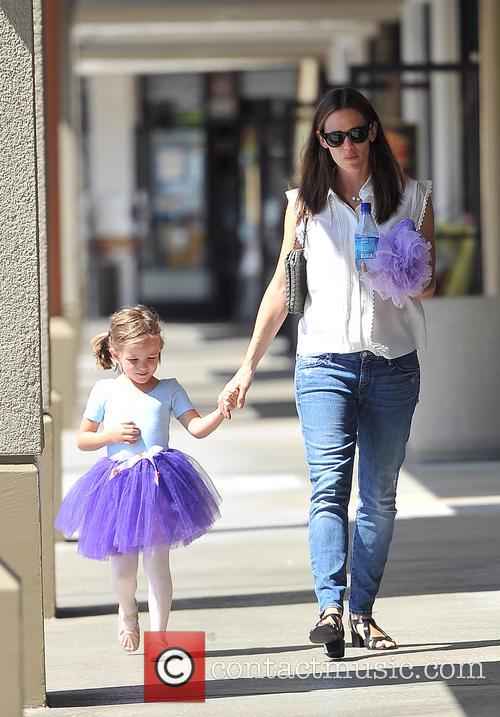 Jennifer Garner and Seraphina Affleck 5