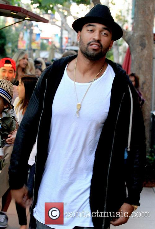 matt kemp dating kardashian Dodgers slugger matt kemp is trying to keep silent about the rumors he's hooking up with khloe kardashian-- but tmz sports has learned there's definitely something cooking between them our kardashian sources tell us khloe and matt are in the early, early stages of a relationship and they're taking.