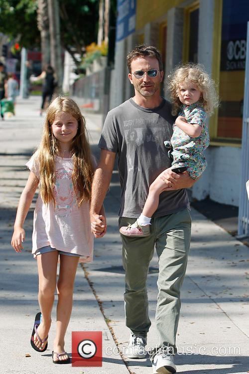 Breckin Meyer, Caitlin Willow Meyer and Clover Meyer 3