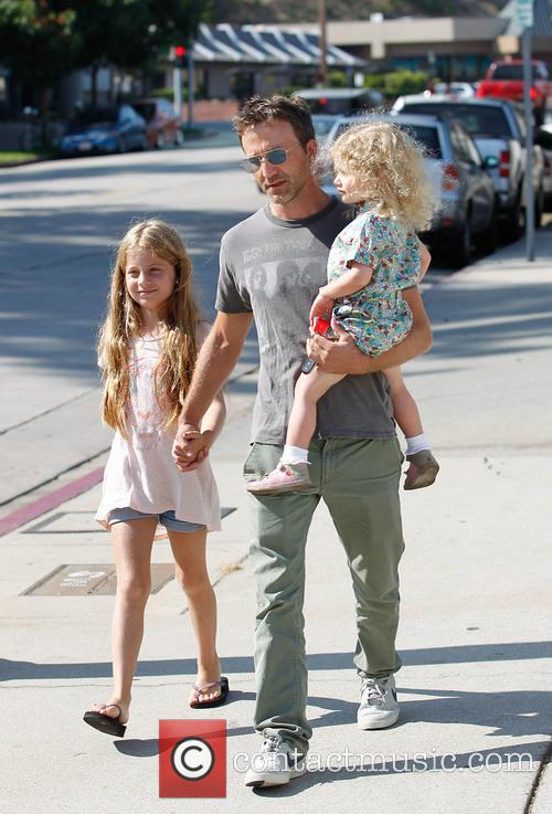 Breckin Meyer, Caitlin Willow Meyer and Clover Meyer 5