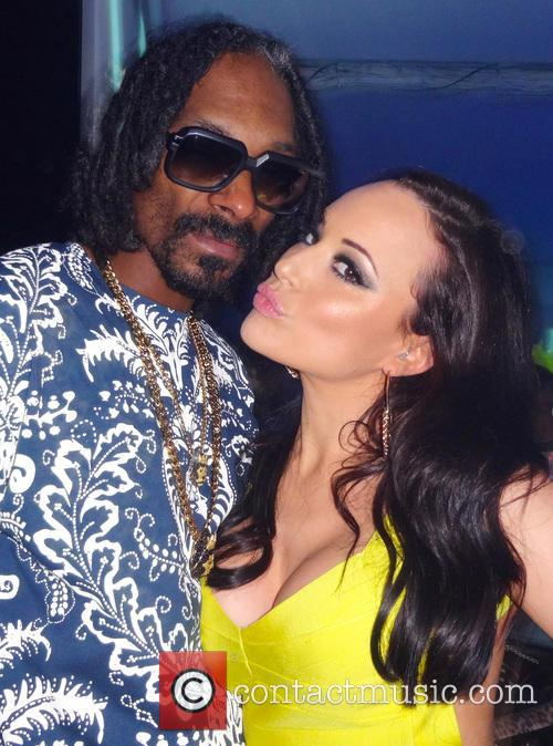 charlotte devaney snoop lion snoop dogg marbella nightclub backstage 3817550