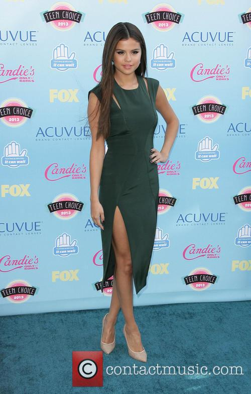Selena Gomez 19