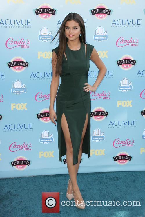 Selena Gomez, Gibson Amphitheatre