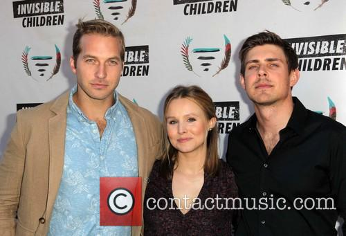 Ryan Hansen, Kristen Bell and Chris Lowell 4