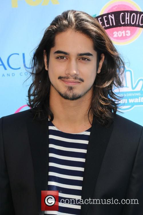 Teen Choice Awards and Avan Jogia 4