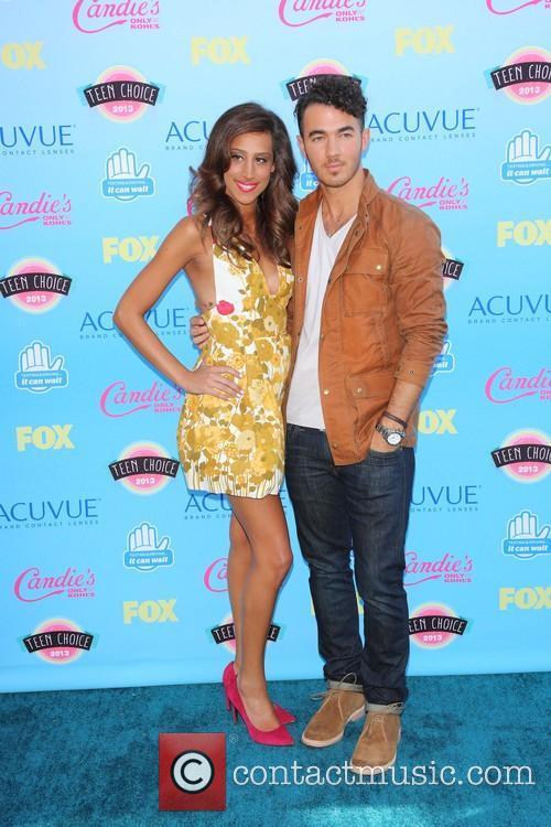 Danielle Deleasa and Kevin Jonas 2
