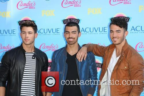Nick Jonas, Joe Jonas and Kevin Jonas 6