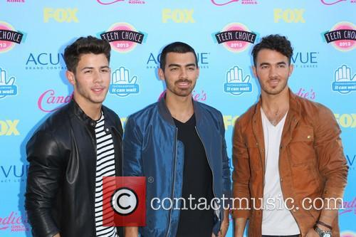 Nick Jonas, Joe Jonas and Kevin Jonas 1