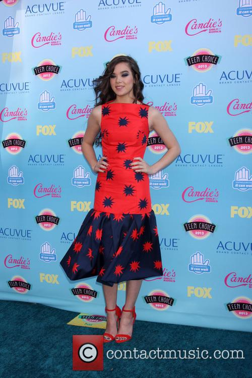 Teen Choice Awards and Hailee Steinfield 3