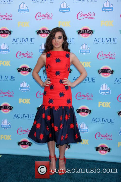 Teen Choice Awards and Hailee Steinfield 4