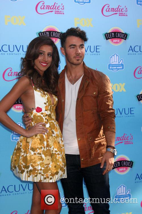 Kevin Jonas and Danielle Jonas 1