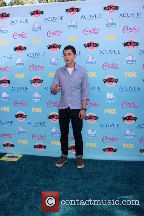 logan lerman teen choice awards 2013 arrivals 3809099