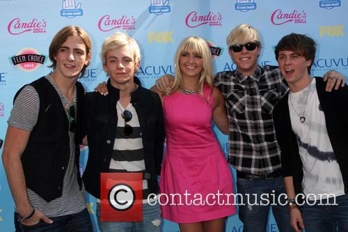 Ross Lynch and B5 Band 2