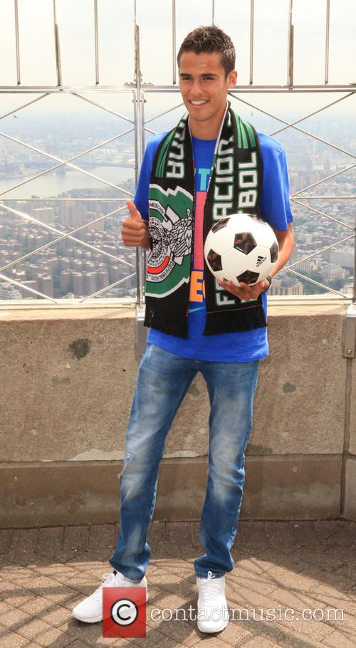 Mexican Footballers at ESB, Empire State Building