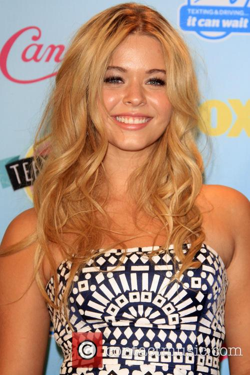 Teen Choice Awards and Sasha Pieterse 5