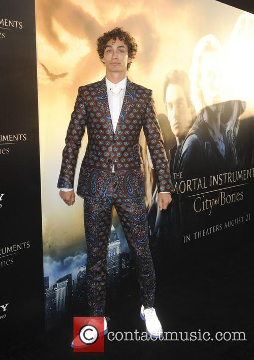 robert sheehan la premiere of the mortal 3812367