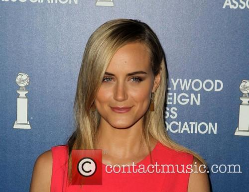 Taylor Schilling 8